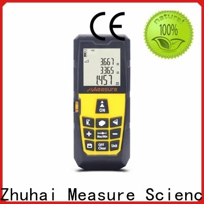 UMeasure carrying laser measuring devices display for worker
